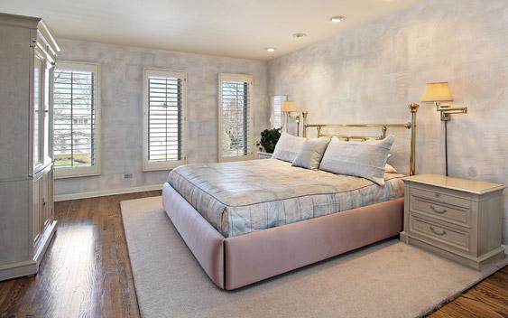 מיטה זוגית עם ארגז מצעים מעץ מלא